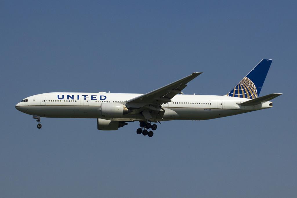 UA807/N786UA